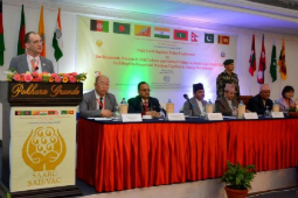 Dr Dil Peeling addresses SAIEVAC conference