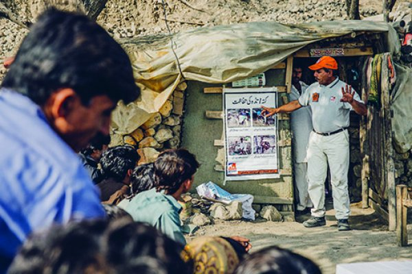 Brooke's Dr Nawas trains the local community in Pakistan