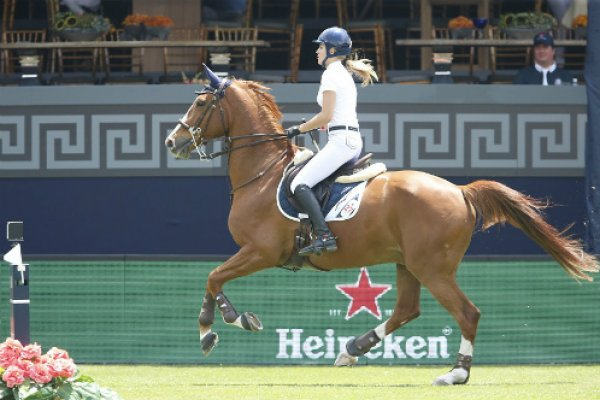 Jessica Mendoza and Toyboy competing in Mexico