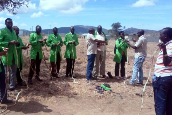 Training in South Sudan on how to make a halter using a simple locally available ropes