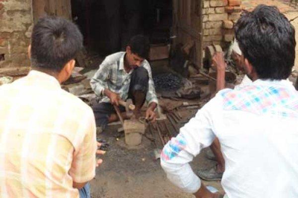 Bhore at work in Pinwari village