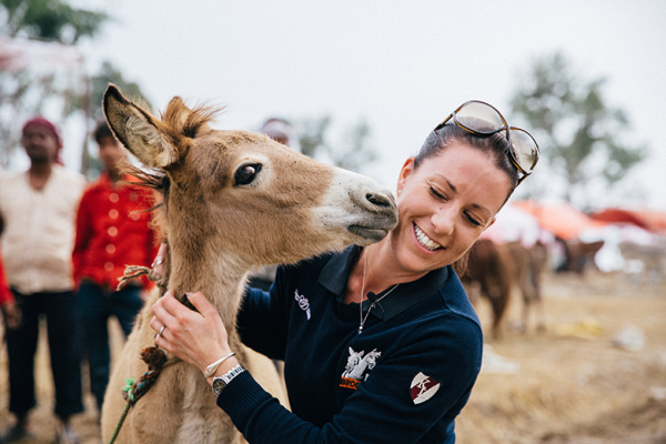 Charlotte Dujardin meets a friendly equine in India