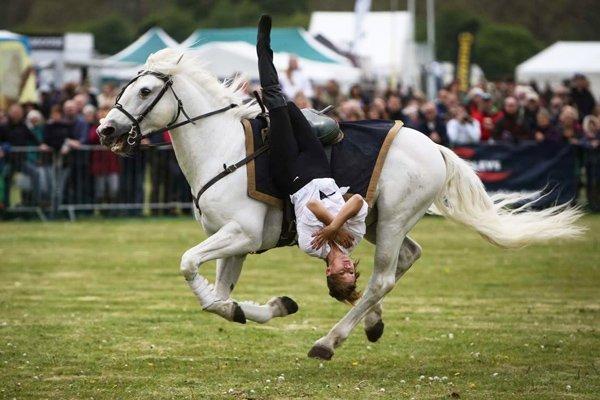 Devil's Horsemen rider upside down