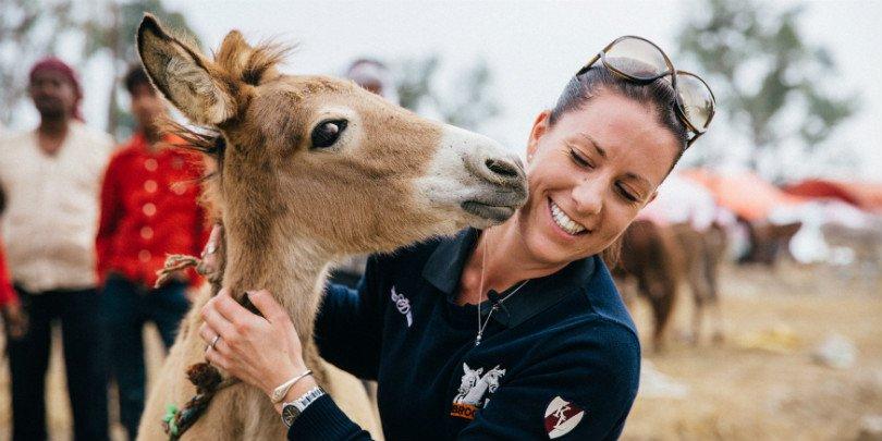Brooke ambassador Charlotte DuJardin meets brick kiln foal in India