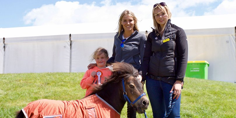 Lucy Rayner, Jessica Mendoza and Little Alf