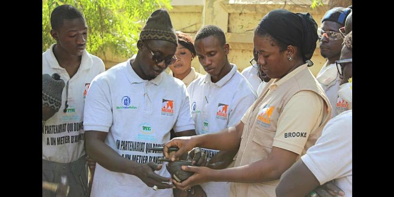 Maïmouna Ndiaye foot mapping during a forging training in Senegal