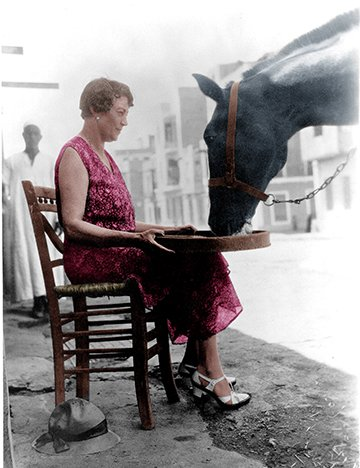 Dorothy Brooke with horse in Egypt
